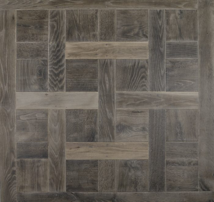 Full chantilly flooring panel in oak