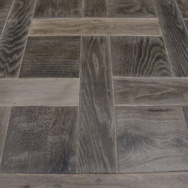 Chantilly flooring board black grey