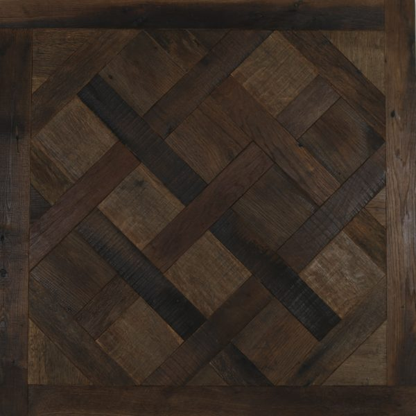 Reclaimed barn oak versailles flooring panel
