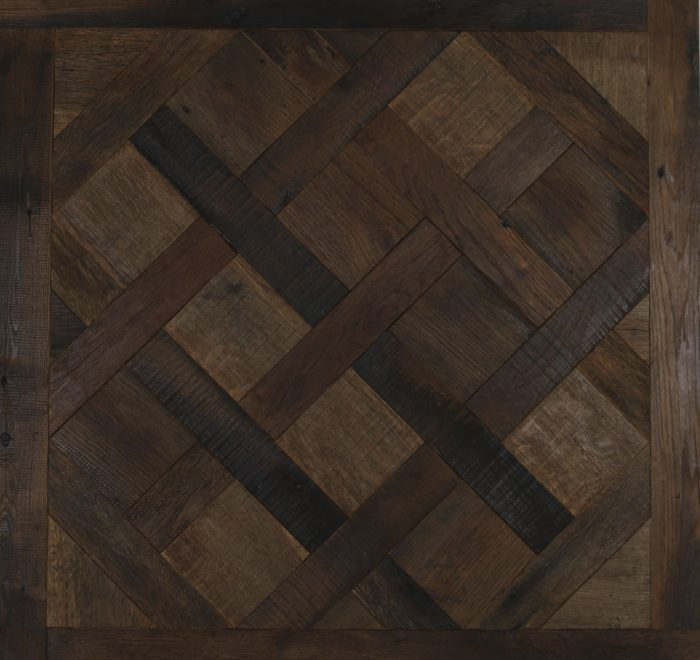 Reclaimed barn oak versailles flooring panel