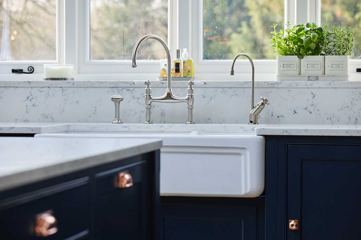 Traditional ceramic butler sink with twin taps