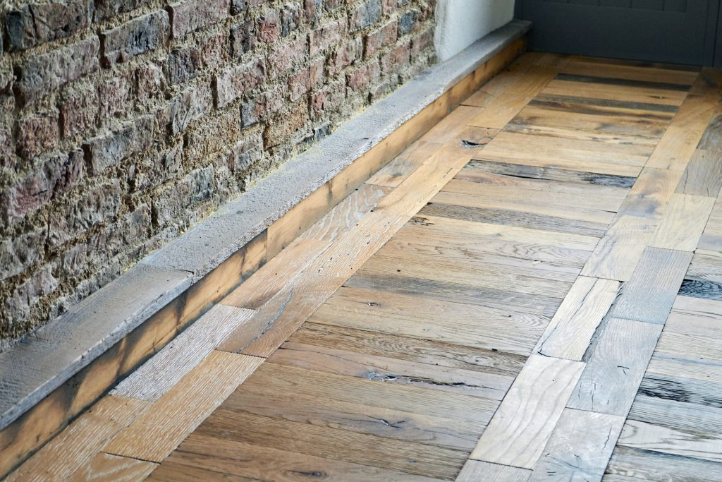 Parquet oak floor boards