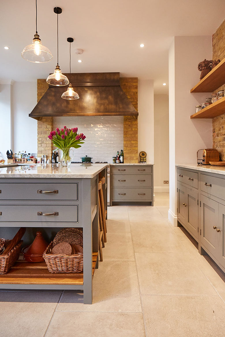 Painted pot board with solid oak slats integrated in to bespoke island