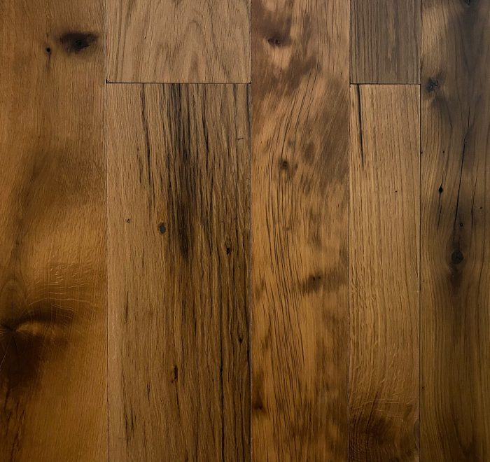 Reclaimed floor in oak finish