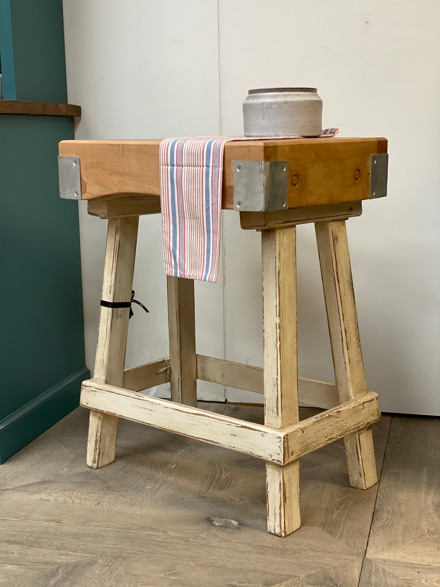 Butchers block with white crackle legs