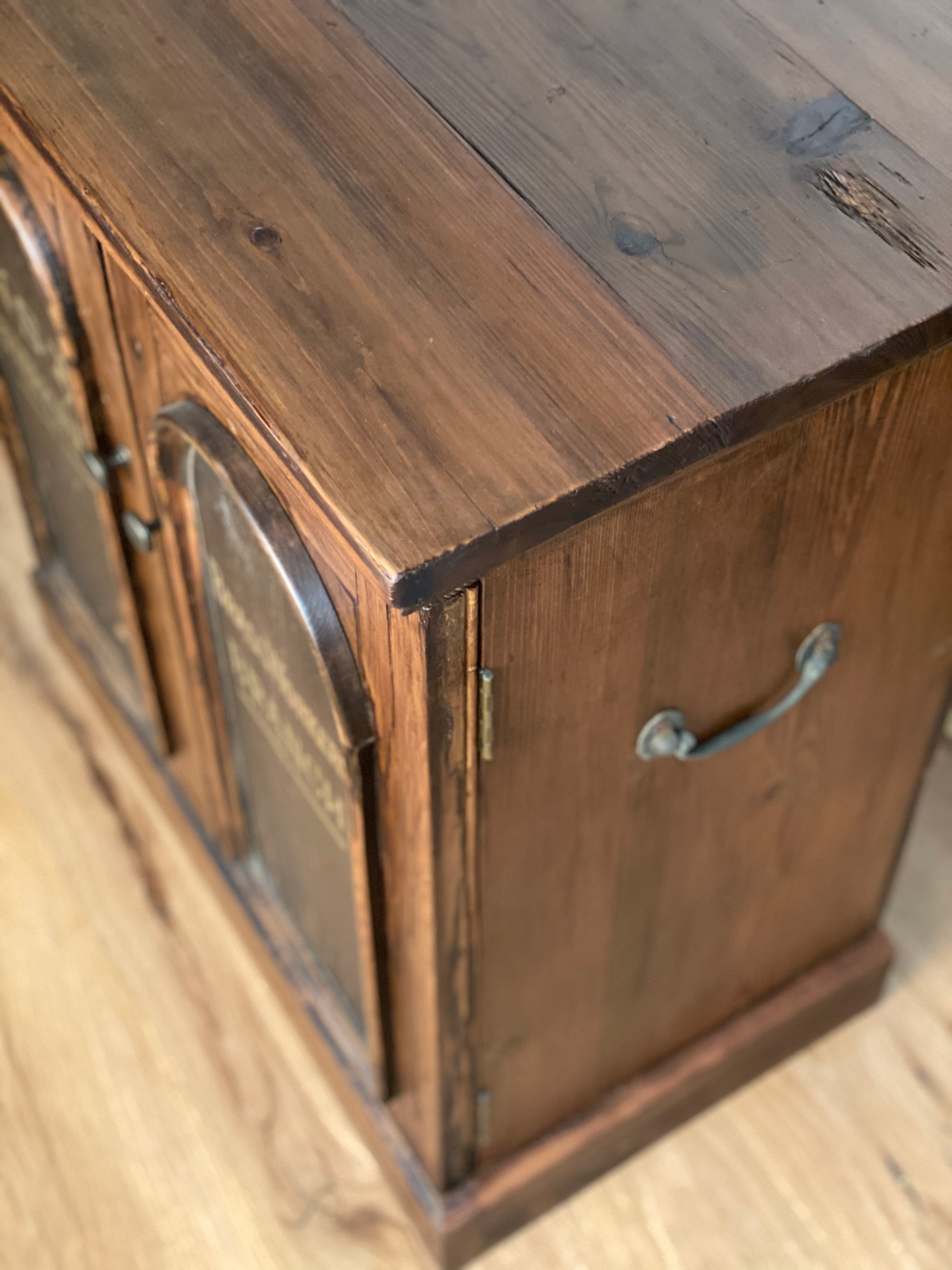 Rustic Sideboard worktop detail