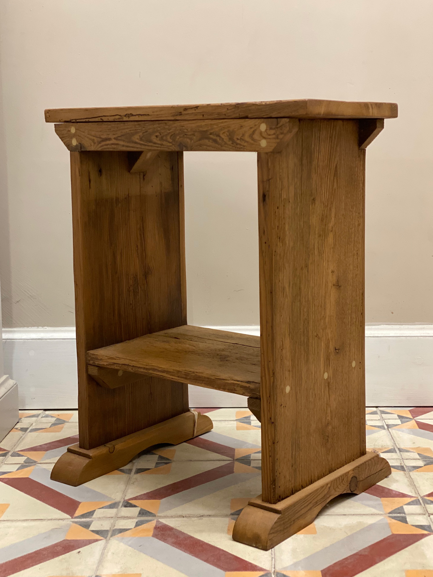 Reclaimed pine stool and table on aztec tiles