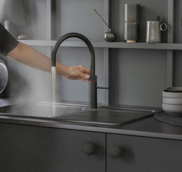 Black Quooker flex hot water tap with boiling water