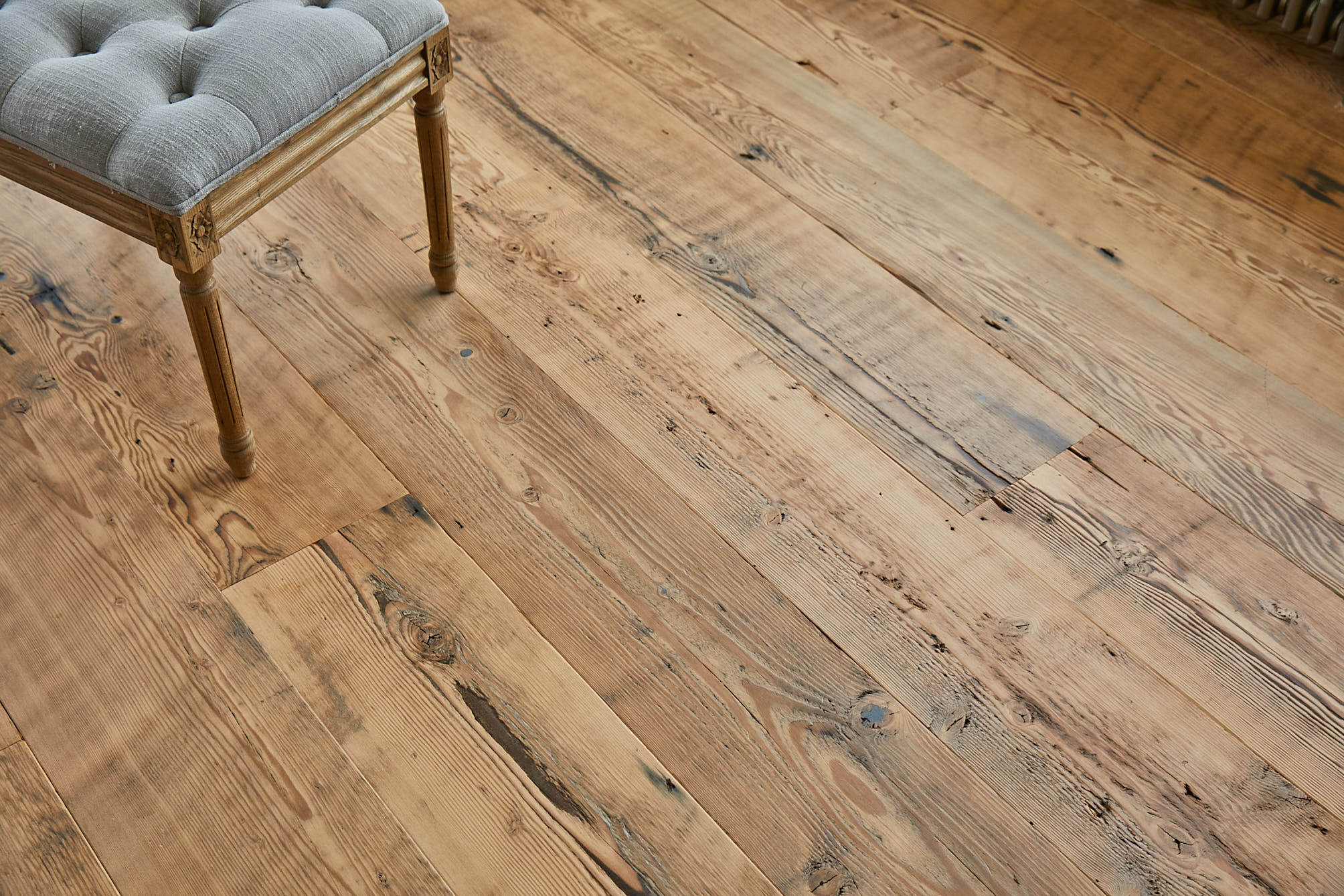 Knots and textures of douglas fir floorboards