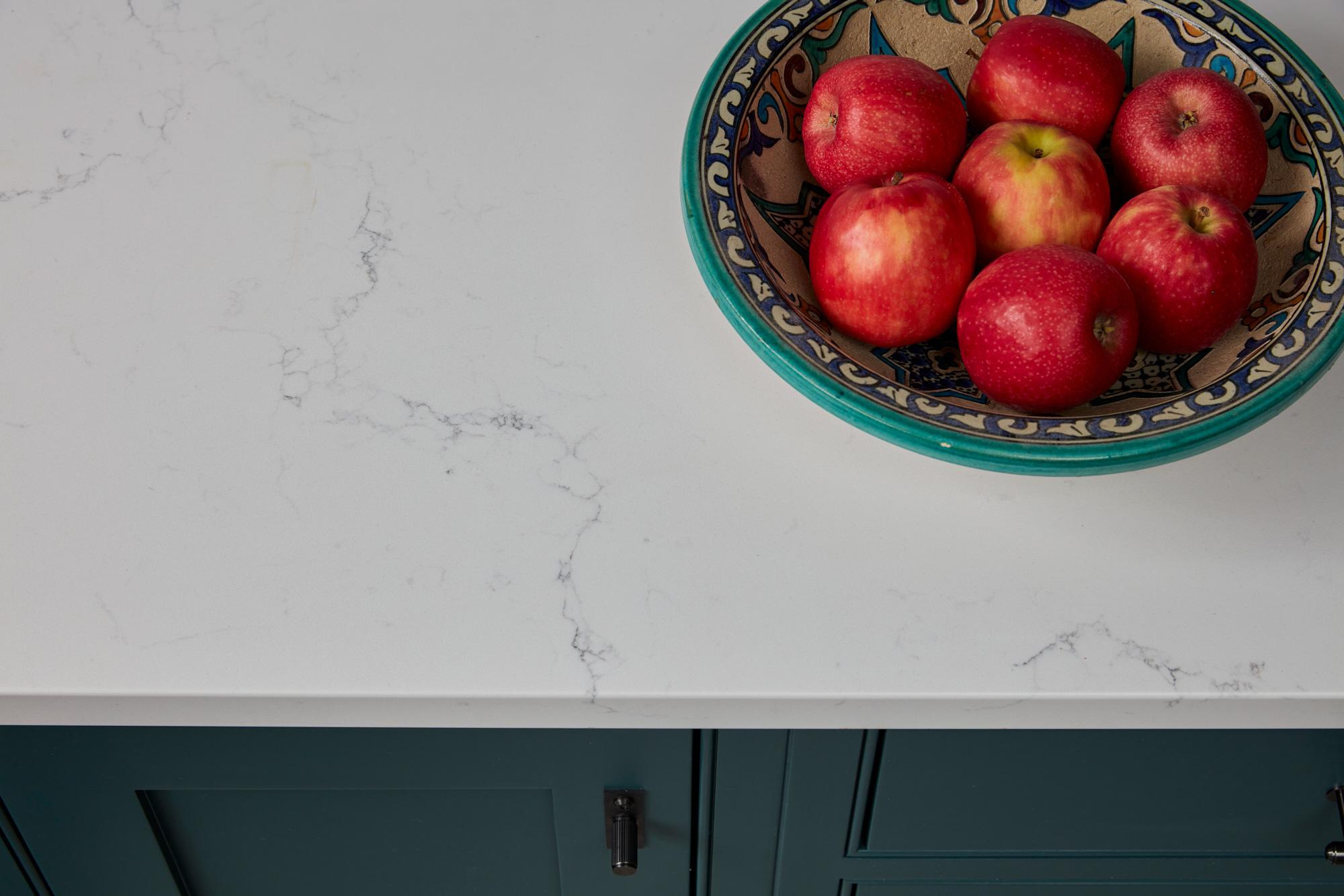 White quartz kitchen worktop