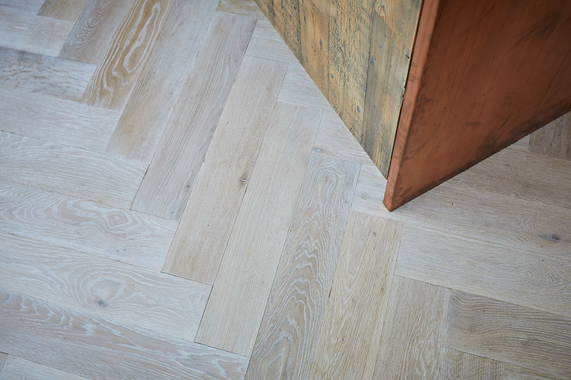Parquet oak fitted floor