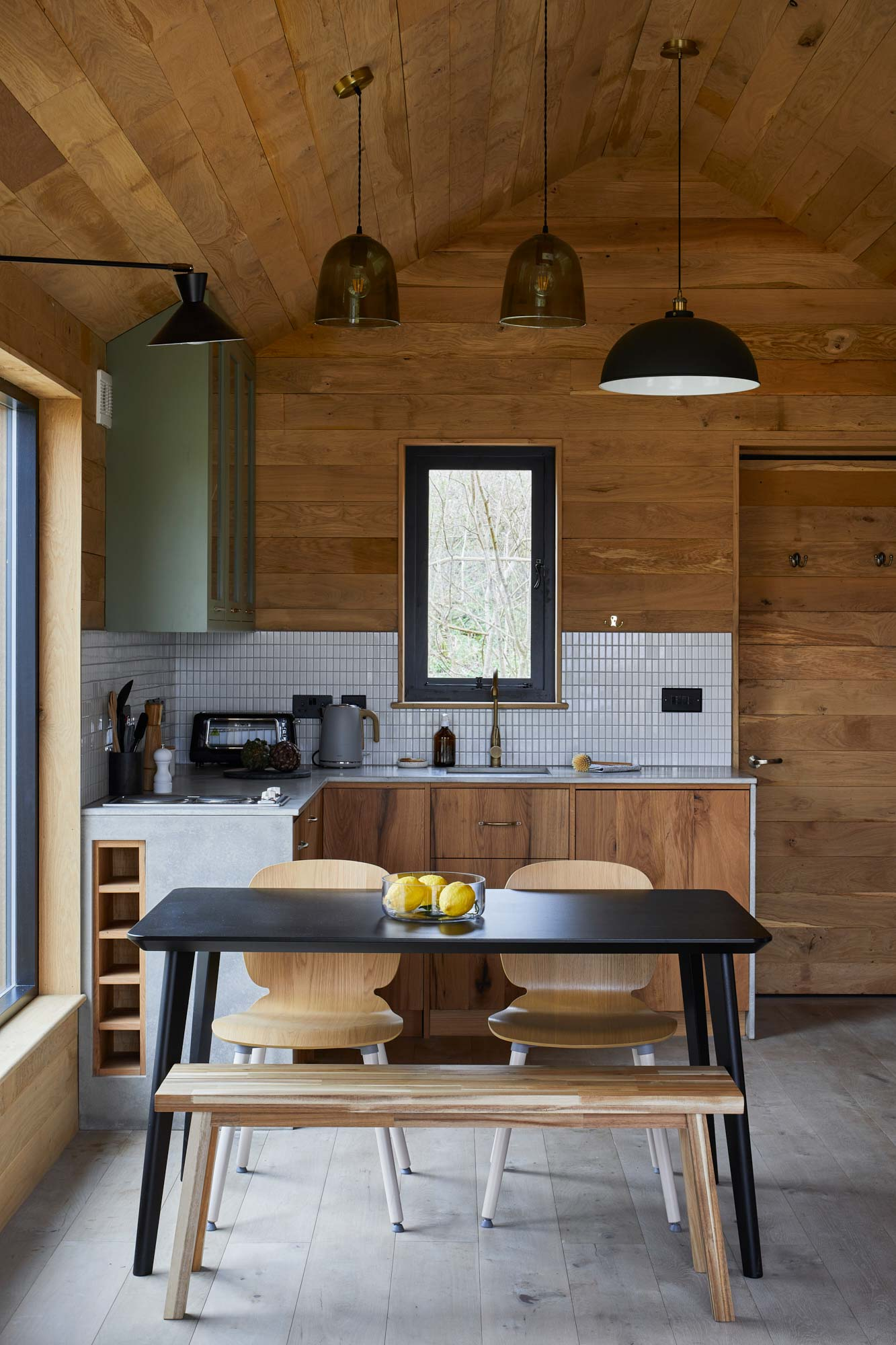 Kitchen dining in treehouse