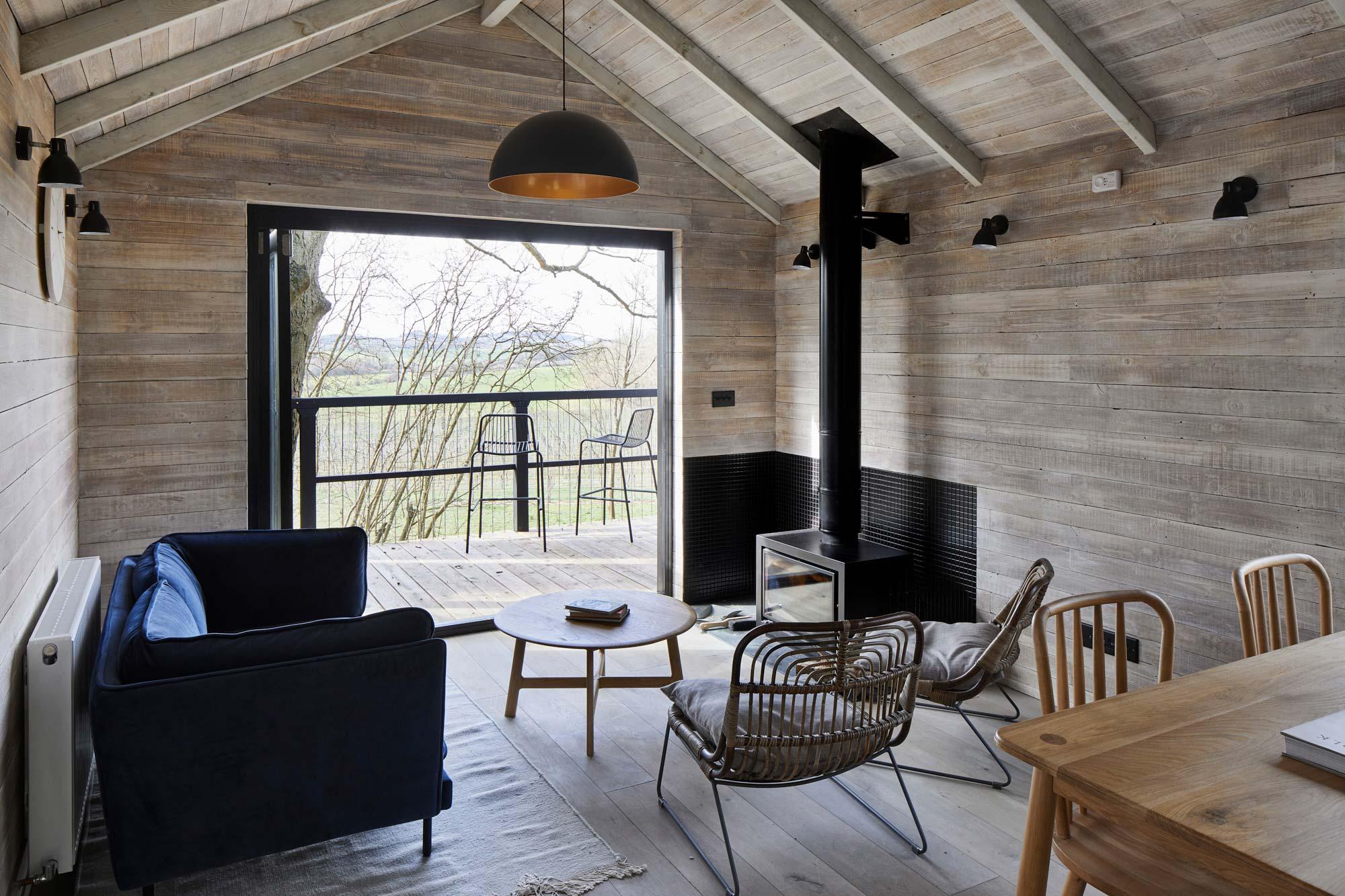 Open plan treehouse