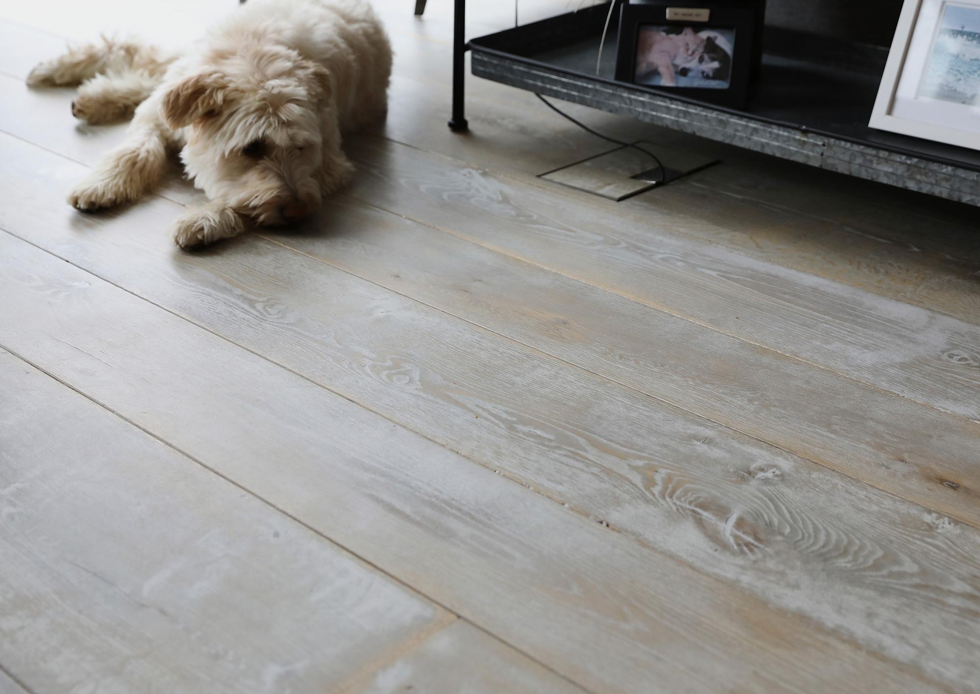 Whitewash oak flooring