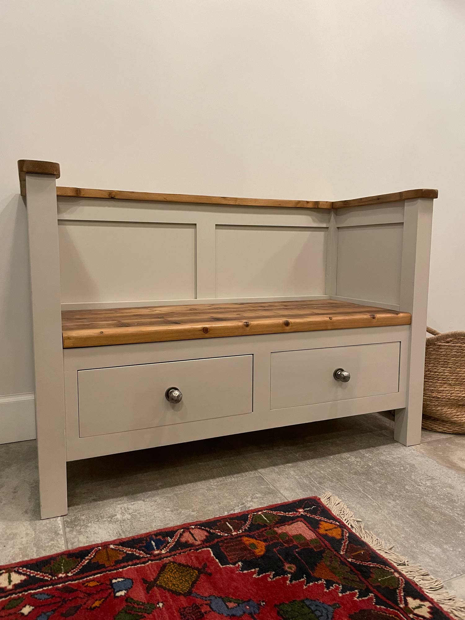Painted double settle
