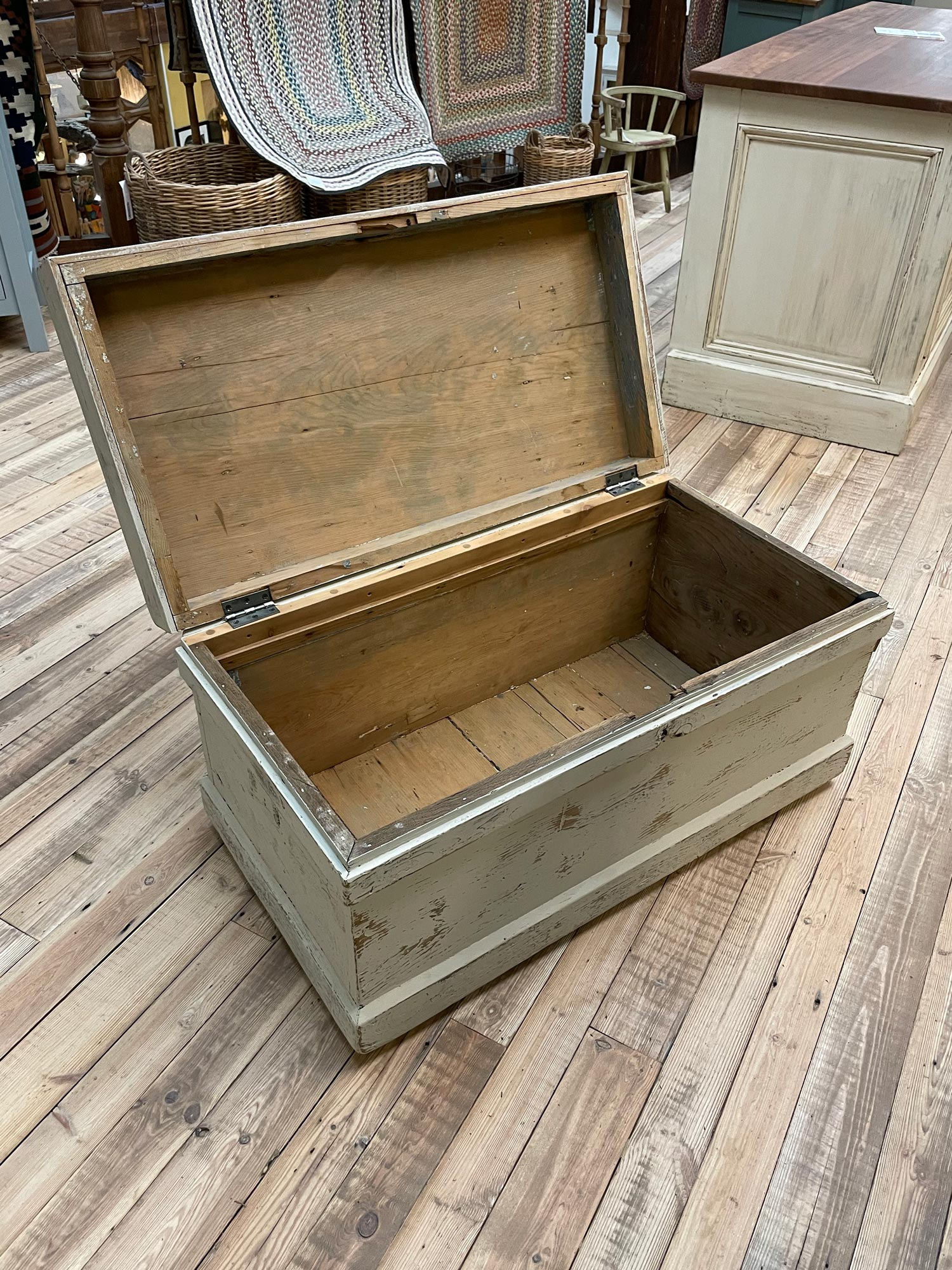 Toy chest open