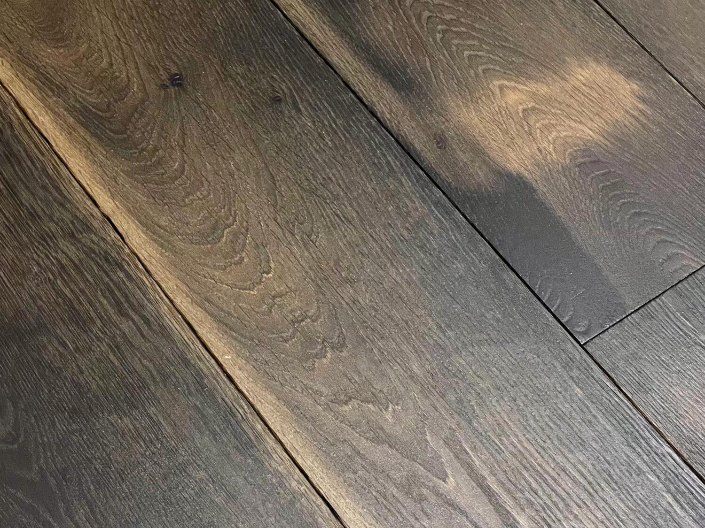 Tobacco oak floor boards