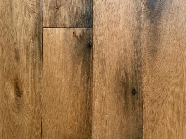 Engineered foundry oak floor boards