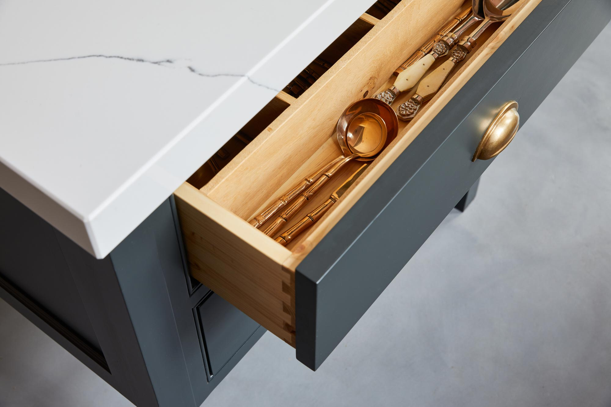 Bespoke kitchen drawer insert